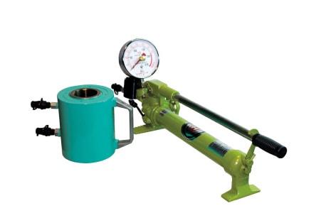 アンカー引張強度試験機 プロテスターTI 大口径対応の軽量油圧式アンカー引張強度試験機