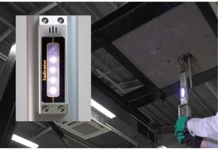 アンカー引張強度試験機 アンカープロチェッカー(APC) 5 設定した検査荷重に到達するまで、載荷荷重の増加に合わせて音と同時に白いLEDが1個づつ点灯します。