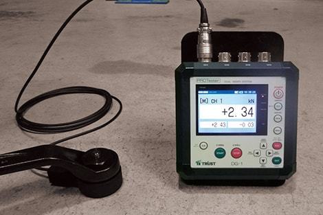 アンカー引張試験4ch同時表示器 DG-1レンチ式試験装置との組合せ