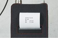 アンカー引張強度試験機 プロテスターTR 測定データをその場でプリントアウト。 印字スイッチを押すと年月日・時分・設定値(SET)測定値(MAX)・単位を印字。フィードスイッチで紙送りします。