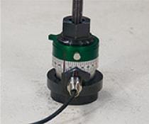 アンカー引張強度試験機 プロテスターTR 4 回転した角度用紙に記載し、付属の変位換算表を見て回転角を変位に換算する。