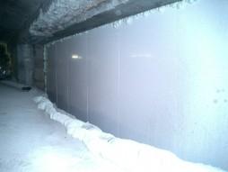 各種コンクリート切断工事 列車風対策整備工事 ウレタンフォームにて水養生