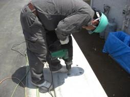 あと施工アンカー工事 交通安全施設工事 防護柵設置工事 穿孔状況