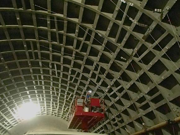 交通安全施設工事 横浜環状北線シールドトンネル工事 前段階、耐火板施工前のシールド内壁面の状況写真