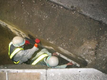 各種コンクリート切断工事  溝工事に伴うコア穿孔工事